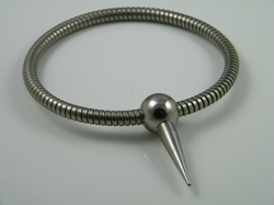 Necklace, flexibel with polished ballclosure with spike