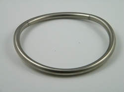 Necklace, round stainless steel with invisible closure